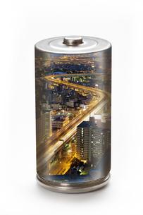 エコ電池と街灯りの環境イメージの写真素材 [FYI04252720]