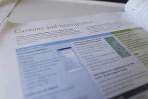 入国カードの書き方の写真素材 [FYI04253505]