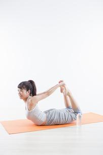 運動する女性の写真素材 [FYI04257189]