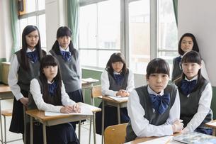 女子生徒のポートレートの写真素材 [FYI04257871]