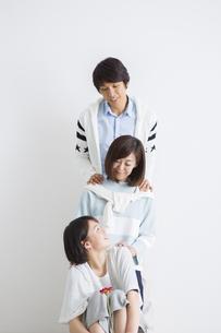 家族のポートレートの写真素材 [FYI04259239]