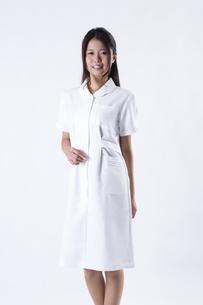 看護師の女性の写真素材 [FYI04261087]