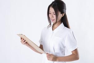 看護師の女性の写真素材 [FYI04261112]