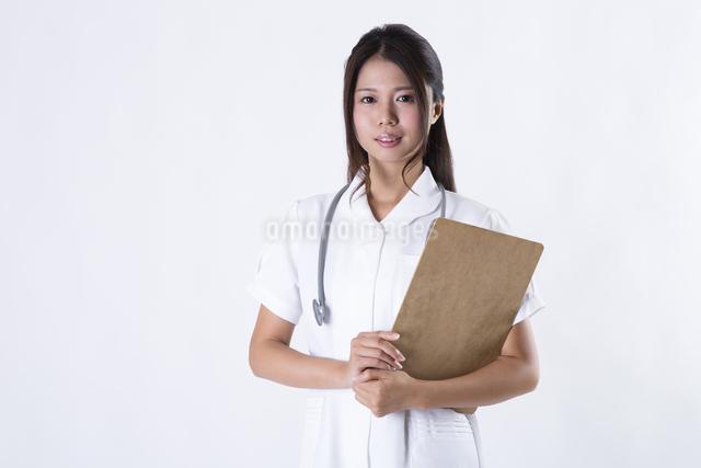 看護師の女性の写真素材 [FYI04261120]