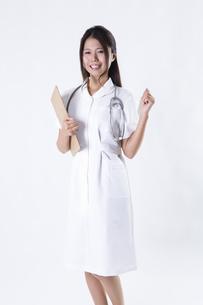 看護師の女性の写真素材 [FYI04261125]