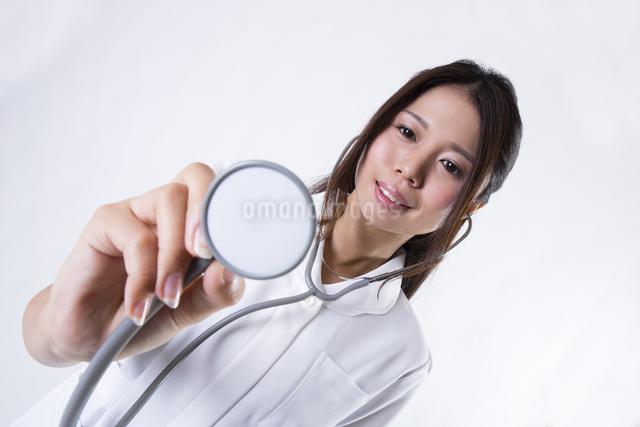 看護師の女性の写真素材 [FYI04261131]