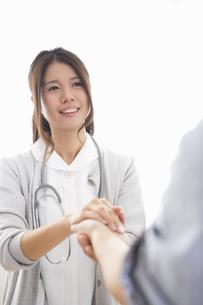看護師の女性の写真素材 [FYI04261229]