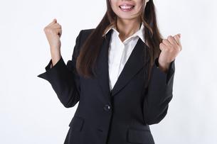 スーツを着た女性の写真素材 [FYI04261277]