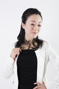 女性のポートレートの写真素材 [FYI04261514]