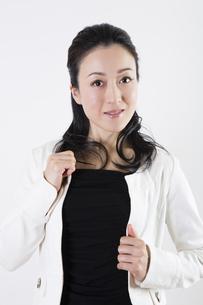 女性のポートレートの写真素材 [FYI04261515]
