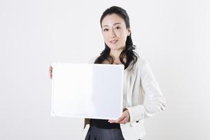 女性のポートレートの写真素材 [FYI04261521]