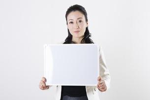 女性のポートレートの写真素材 [FYI04261526]