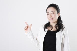 女性のポートレートの写真素材 [FYI04261532]