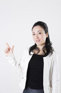 女性のポートレートの写真素材 [FYI04261534]