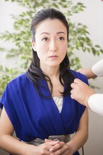 女性のポートレートの写真素材 [FYI04261535]