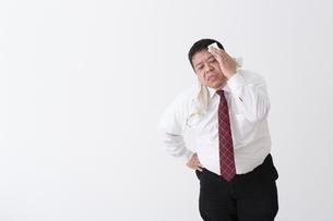 スーツを着た男性の写真素材 [FYI04261648]
