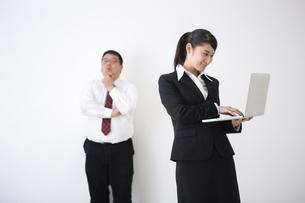 上司と部下の写真素材 [FYI04261747]