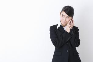 スーツを着た女性の写真素材 [FYI04261887]