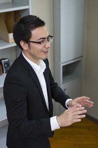 オフィスのビジネスマンの写真素材 [FYI04262426]