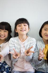 教室の小学生の写真素材 [FYI04263857]