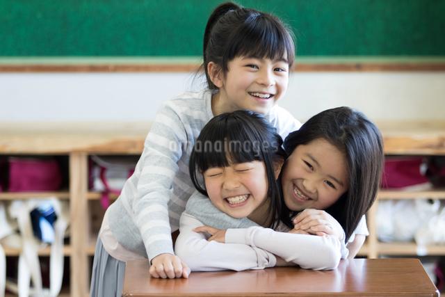 教室の小学生の写真素材 [FYI04263920]