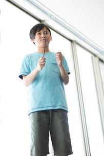 音楽の授業を受ける小学生の写真素材 [FYI04264172]
