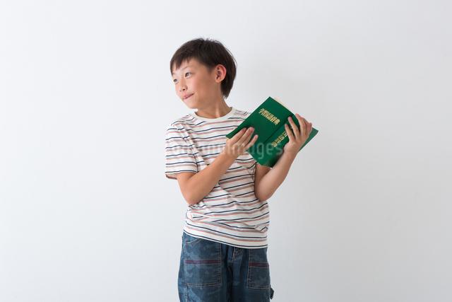 小学生のポートレートの写真素材 [FYI04264749]