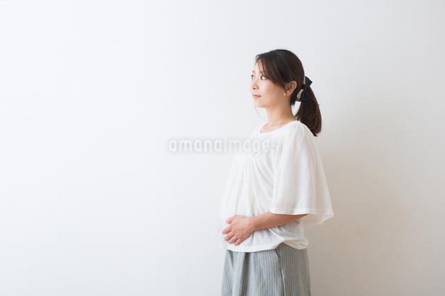 妊婦さんの写真素材 [FYI04264834]