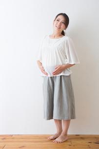 妊婦さんの写真素材 [FYI04264837]