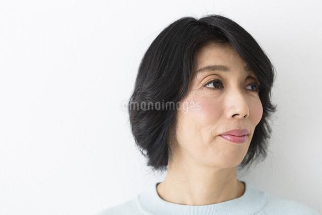 ミドル女性の写真素材 [FYI04265870]