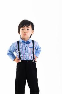 男の子のポートレートの写真素材 [FYI04268947]