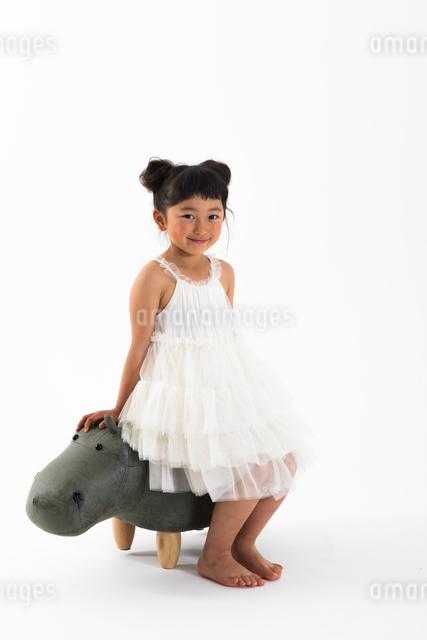 女の子のポートレートの写真素材 [FYI04268970]