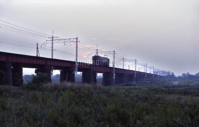 上越線 EF15電気機関車 単機の写真素材 [FYI04270273]