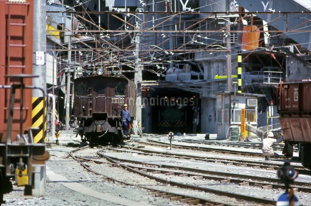 ED16電気機関車の写真素材 [FYI04270300]