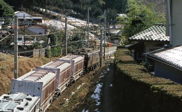 ED16電気機関車牽引の貨物列車の写真素材 [FYI04270301]