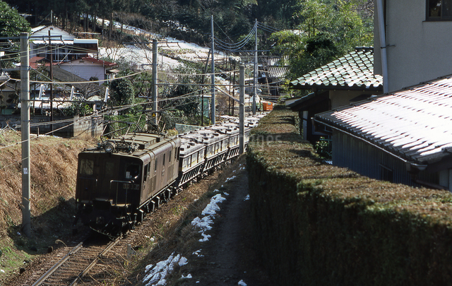 ED16 5号電気機関車牽引の貨物列車の写真素材 [FYI04270308]