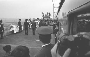 武蔵野線開業始発電車 開業セレモニーの写真素材 [FYI04270367]