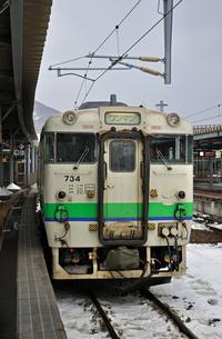 鉄道 JR北海道 江差線・函館駅にてキハ40の写真素材 [FYI04272085]