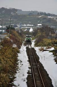 鉄道 JR北海道 江差線・125D普レ キハ40の写真素材 [FYI04272093]