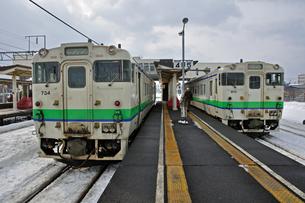 鉄道 JR北海道 江差線・木古内駅にて キハ40の写真素材 [FYI04272095]