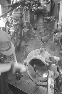 鉄道 私鉄・大井川鉄道C11形蒸気機関車運転室の写真素材 [FYI04273152]