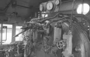 鉄道 私鉄・大井川鉄道C11形蒸気機関車運転室の写真素材 [FYI04273165]