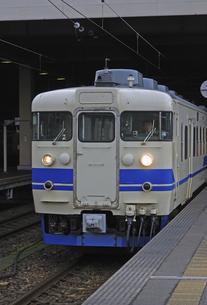 鉄道 JR西日本・北陸本線金沢駅 特急トワイライトエクスプレスの写真素材 [FYI04273316]