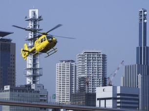 ジェットヘリと神戸市街の写真素材 [FYI04274112]