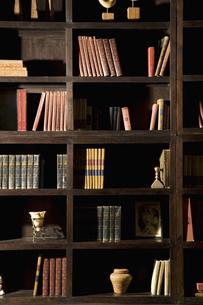 書棚の写真素材 [FYI04275302]