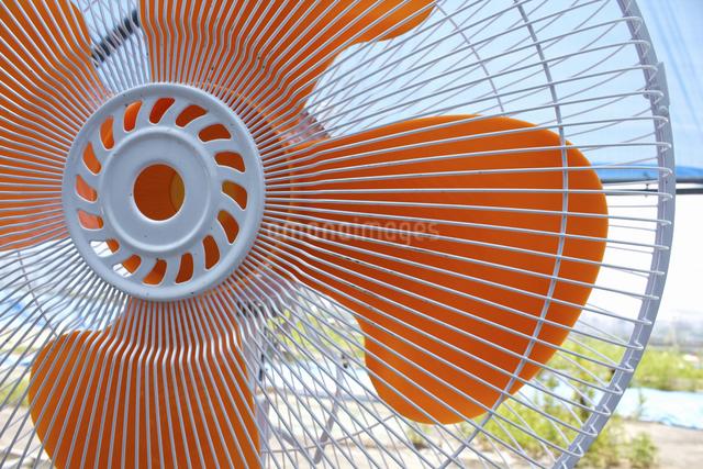 土木工事現場の大型扇風機の写真素材 [FYI04276214]