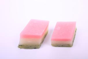 菱型の和菓子の写真素材 [FYI04280227]