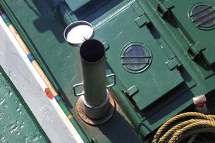 上から見たポンポン船の煙突の写真素材 [FYI04280368]