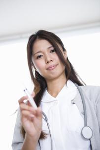 看護師の女性の写真素材 [FYI04281599]