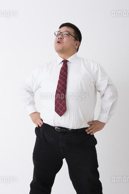 スーツを着た男性の写真素材 [FYI04281717]